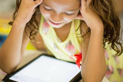 """Ateliers jeunesse sur tablettes numériques """"les petits clics"""" 1"""