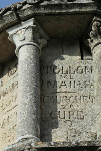 Tollon, maire - Courchet, curé - L'énigmatique monument à Saint-Joseph de Gassin - https://gassin.eu