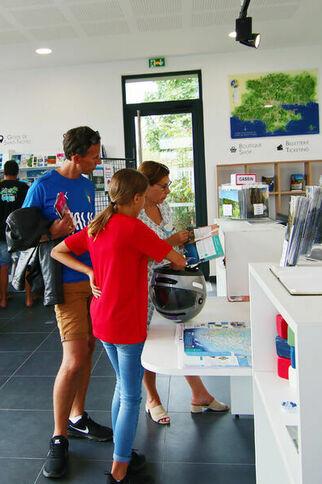 L'olivier de l'Office de tourisme de Gassin - https://